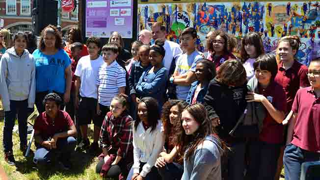 Art Resource Collaborative for Kids unveils new mural in the Fenway Park neighborhood in Boston