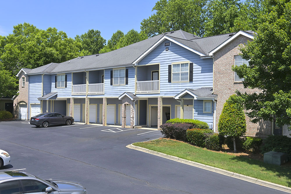 Bain Capital Real Estate and Magnolia Capital Acquire Multifamily Apartment Community in Charlotte