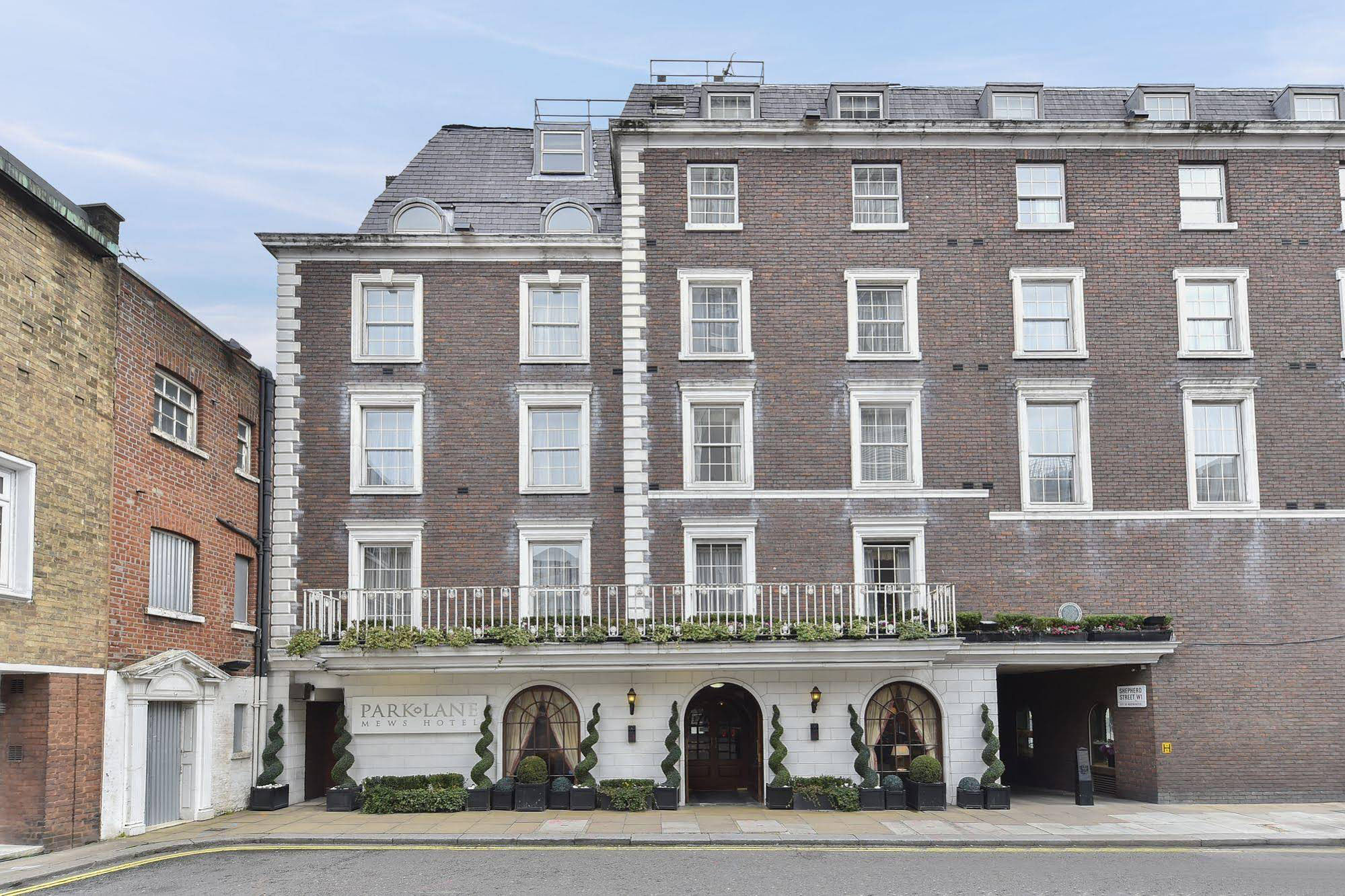 Bain Capital Credit and Orka acquire Park Lane Mews Hotel and residential units in Mayfair